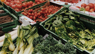 Follow these farmers' market tips if it's your first time navigating the stalls.